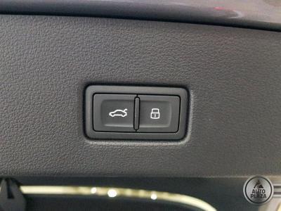 http://autoplaza.sk/images/stories/expautos/images/big/15_1592994730.jpg